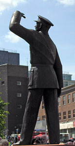 Whittle statue in Coventry